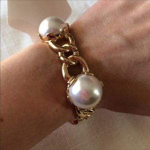 Jewelry - NEW Faux Pearl Gold Chain Link Stretch Bracelet